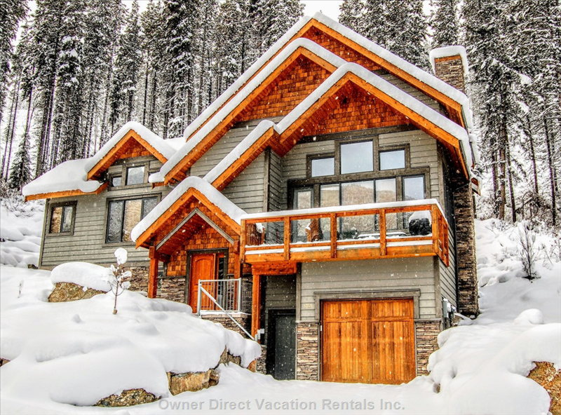 Greywolf, Panorama Village, BC / 224456