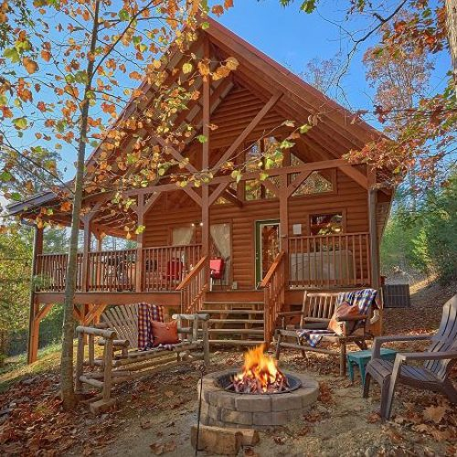 Log cabin is located several miles behind the Dollywood theme park, off Bird's Creek Road