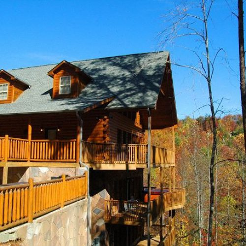 One of the outstanding luxury mountain cabins you will find in the Smokies