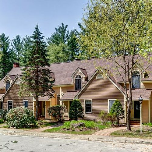 2-Bedroom townhouse located in the Village at Kearsarge