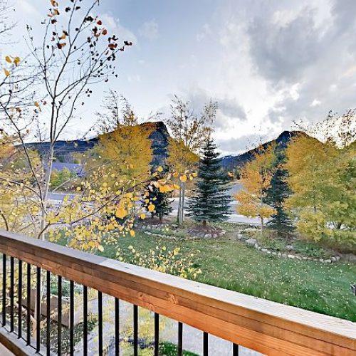 West-facing master bedroom balcony overlooks Mount Royal
