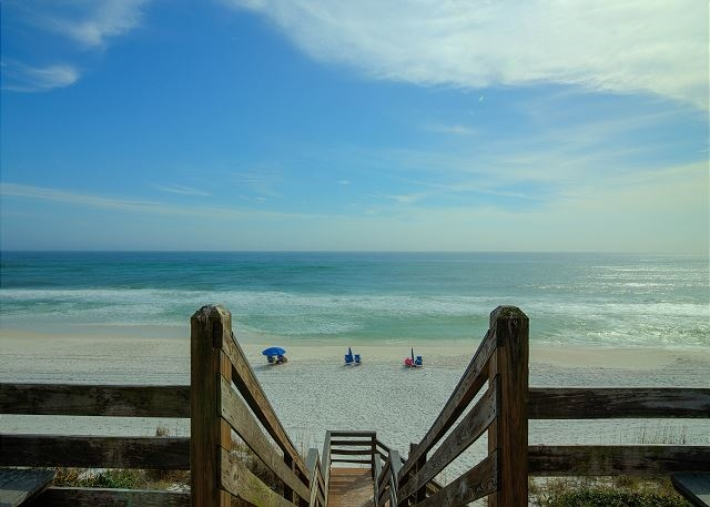 Enjoy gulf views from almost every part of the unit at this beautiful beachfront retreat / 222783
