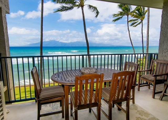 Oceanfront unit in Lahaina, Maui perfect for a small family / 225248
