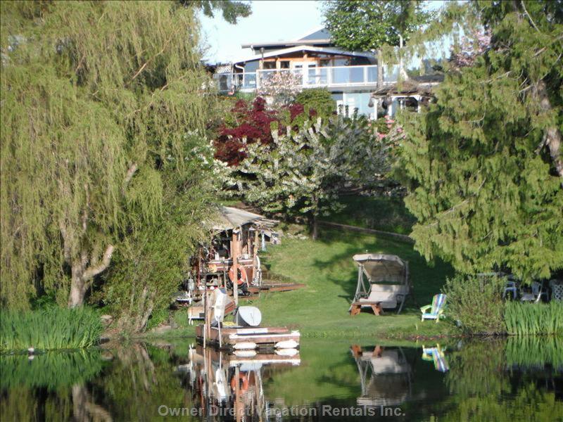 Victoria, BC Private lakeside vacation home #95625